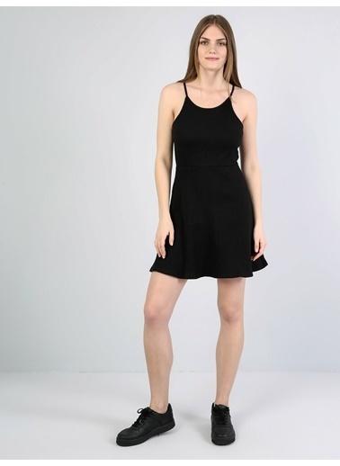 Colin's Derin Yuvarlak Yaka Kolsuz Diz Üstü Elbise Siyah